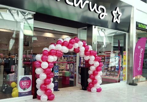 Corporate Balloon Arch for Superdrug Dublin